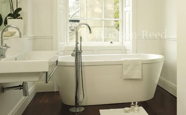 6 Beautiful Freestanding Bath Taps For Your Bathroom