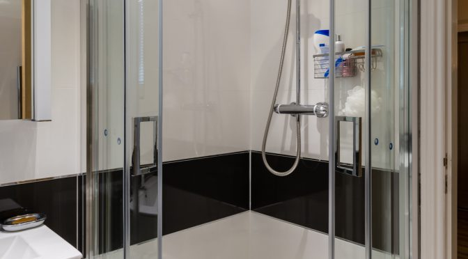 The Style and Functional Benefits of Corner Shower Enclosures