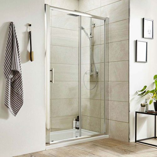 Pacific sliding shower door in an alcove setting