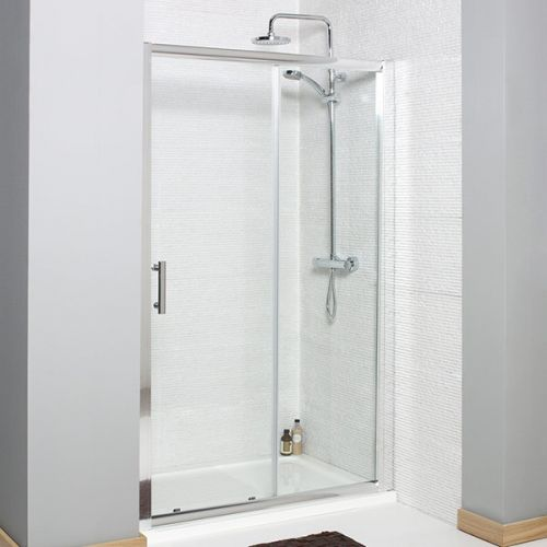 Koncept Sliding shower door within an alcove