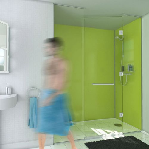 Wetwall lime gloss in a showering background