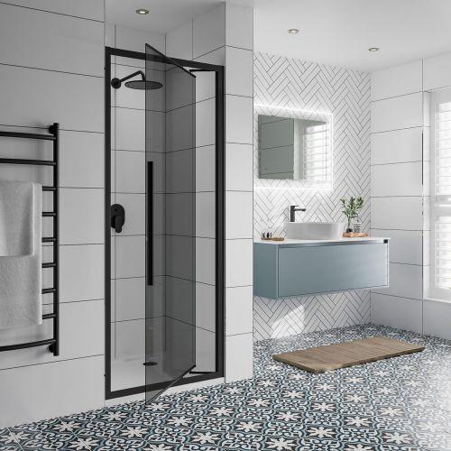 Jaquar Black-on-Black Infolding Shower Door